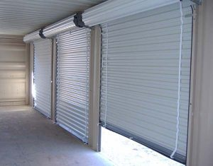 Ролетни врати и специализирани входни системи. Специални врати за всички случай.